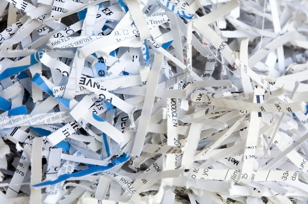 3 Reasons to Work With a Local Shredding Company - Featured Image
