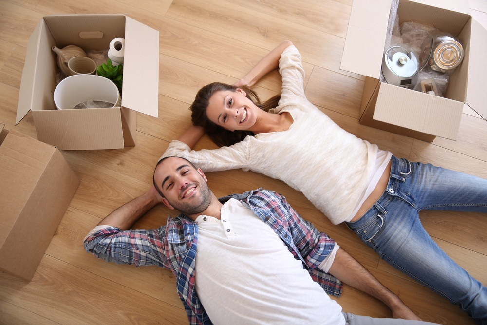 Becoming a Minimalist? The First Steps to Downsize Your Home - Featured Image
