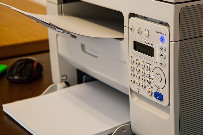 Why Businesses Prefer Document Scanning Services Over In-House Scanning - Featured Image
